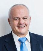 Dr. Andreas Kiefer war Apotheker in Koblenz und Präsident der Bundesapotheker-kammer