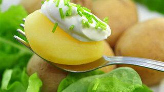 Blechkartoffeln mit Frühlingsdip