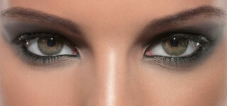 Frau mit Augen Makeup