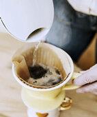 Von Hand gebrühter Kaffee enthält weniger Nickel