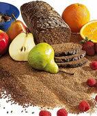 Ballaststoffe stecken unter anderem in Vollkornbrot, Obst und Gemüse