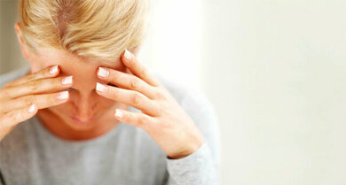 Pulsierende Schmerzen im Stirnbereich? Das könnte Migräne sein