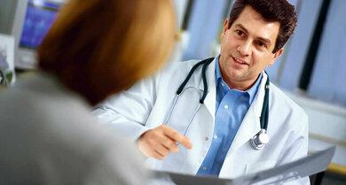 Mit dem Arzt die Möglichkeiten der Schmerztherapie ausloten