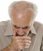 Husten und Kurzatmigkeit können auf ein Lungenemphysem hinweisen