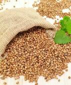 Buchweizenkörner sind glutenfrei und lassen sich auch als Mehl verwenden