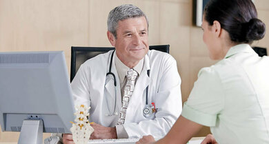 Wichtig für jede Therapie ist eine vertrauensvolle Arzt-Patienten-Beziehung