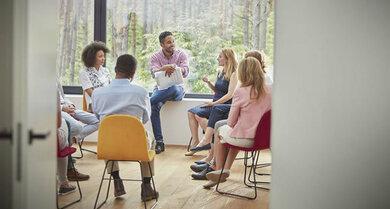 Die kognitive Verhaltenstherapie kann auch als Gruppentherapie stattfinden