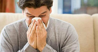 Ständig laufende Nase und Husten? Vielleicht steckt eine Allergie oder Nasennebenhöhlenentzündung dahinter