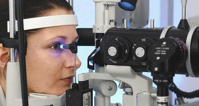 Glaukom-Früherkennung: Ab 40 die Augen von Zeit zu Zeit, ab 65 oder bei familiärer Glaukom-Belastung regelmäßig kontrollieren lassen