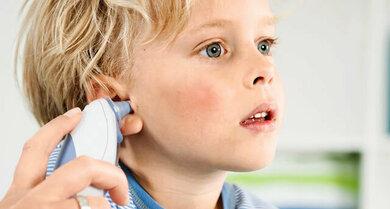 Fieber messen im Ohr: Die meisten Kinder tolerieren das