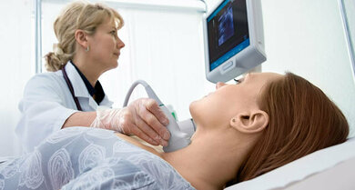Ultraschall der Schilddrüse: Für FAP-Patientinnen wichtig