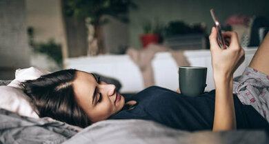 Ein Schlaftagebuch kann helfen, Schlafstörern auf die Schliche zu kommen