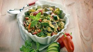 Quinoa mit Zuccini und Paprika
