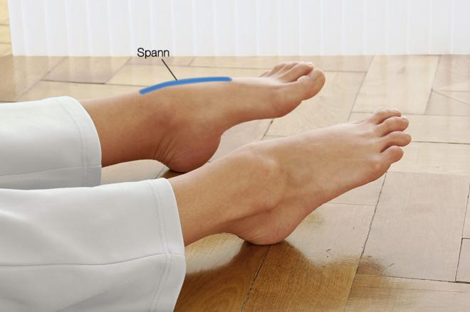 Fußgymnastik-Füße strecken