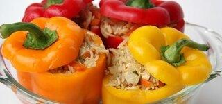 Paprika gefüllt mit Reisgemüse