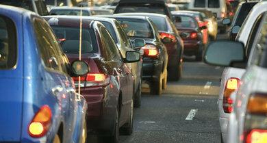 Trockene Luft & Schadstoffe: Darauf reagiert so mancher Hals empfindlich