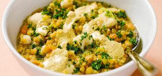 Linsen-Gemüse-Eintopf mit scharfen Curry-Kurkuma-Dip