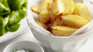 Ofenkartoffeln mit Feta-Dip und Feldsalat