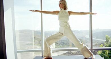 Yoga kann helfen, Verspannungen zu lösen