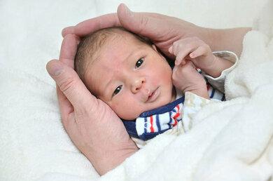 Bei allen Neugeborenen in Deutschland bestimmt man die TSH-Konzentration im Blutserum zur Überprüfung der Schilddrüsenfunktion