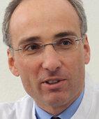 UNSER EXPERTE: Professor Dr. Jörg Hoffmann, Facharzt für Innere Medizin mit Schwerpunkt Gastroenterologie, Diabetologie, Rheumatologie und Palliativmedizin