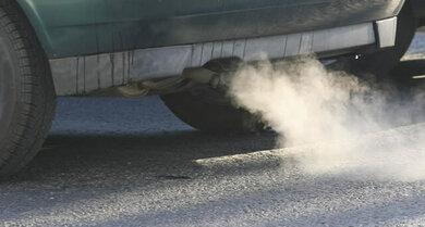 In Autoabgasen finden sich Giftstoffe wie Benzol