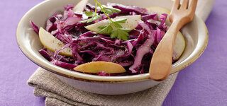 Rotkohl Apfel Salat