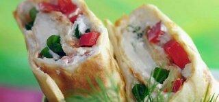 Frischkäse-Wrap mit Paprika und Feldsalat