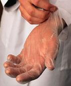 Latexhandschuhe im Beruf: Nicht jeder verträgt sie