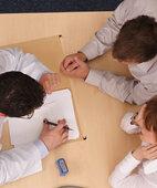 Auch Hilfeleistende, die bei dem Ohnmachtsanfall dabei waren, können wichtige Hinweise geben