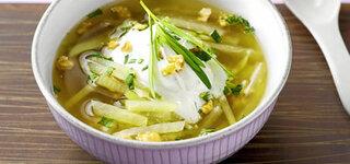 Kohlrabi-Suppe mit Wasabi