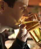 Häufige Auslöser für Halluzinationen: Alkoholsucht, Drogenmissbrauch