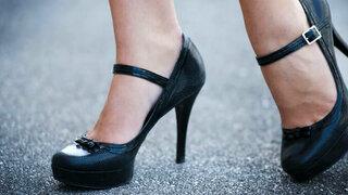 Schuhe mit hohen Absätzen begünstigen Fußfehlstellungen