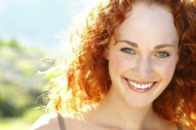 Keltischer Hauttyp (Hauttyp 1) mit rotem Haar und sehr heller Haut: Vorsicht Sonne!