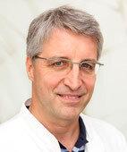 Beratender Experte: Professor Dr. med. Jan Langrehr, Facharzt für Allgemein-, Gefäß- und Viszeralchirurgie, Chefarzt der Klinik für Allgemein-, Gefäß- und Viszeralchirurgie im Martin-Luther-Krankenhaus, Berlin