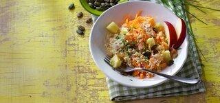 Hirse-Sauerkraut-Salat mit Kürbiskernen