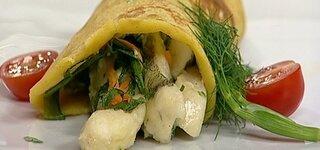 Wraps mit Zanderstreifen, Gemüse, Avokadocreme