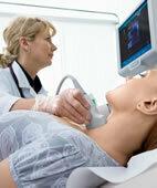 Fallen beim Ultraschall der Schilddrüse Knoten auf, erfolgt meist eine Szintigrafie zur Abklärung