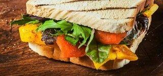 Paprika Sandwich