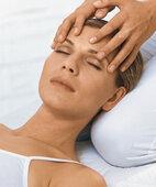 Einfühlsamkeit und Qualifikation des Therapeuten gelten als Voraussetzung für den Behandlungserfolg