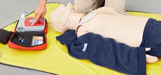 Demonstration des Defibrillators