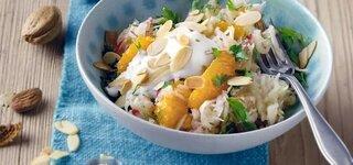 Sellerie-Salat mit Mandarinen und Mandeln