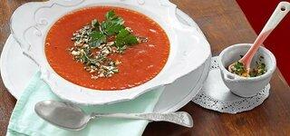 Tomaten-Süßkartoffel-Suppe mit Chili-Gremolata