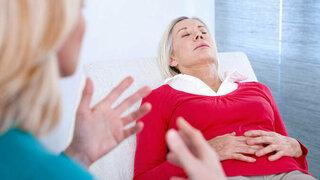 Frau unter Hypnose