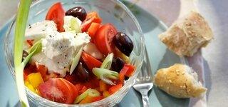 Paprika-Bauern-Salat mit Kräuterquark