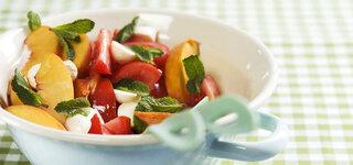 Tomaten-Pfirsich-Minze Salat