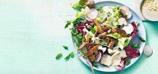 Frühlings-Salat mit Steak-Streifen