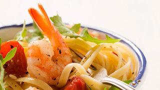 Spaghetti mit Rucola und Garnelen