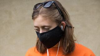 Coronavirus Teenager Jugendliche unverstanden Krise Atemschutz