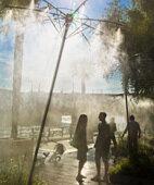 Abkühlung: Sprinkleranlagen machen die Hitze in Paris erträglicher